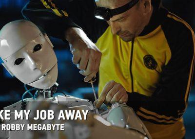 Dubioza kolektiv u novom spotu predstavlja prvog domaćeg robota pevača!